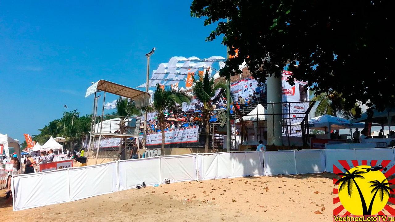 Пляж-Джомтьен-соревнования-по-гидроциклам