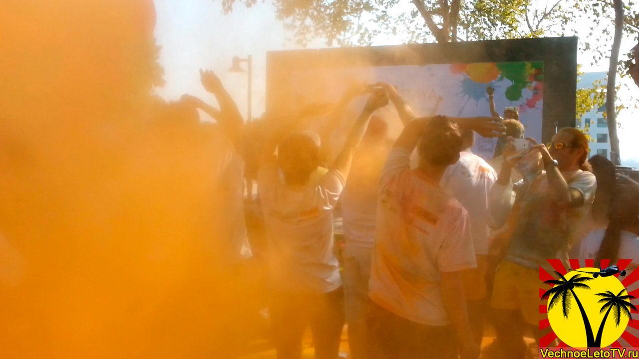 Красочный-забег-в-Тайланде