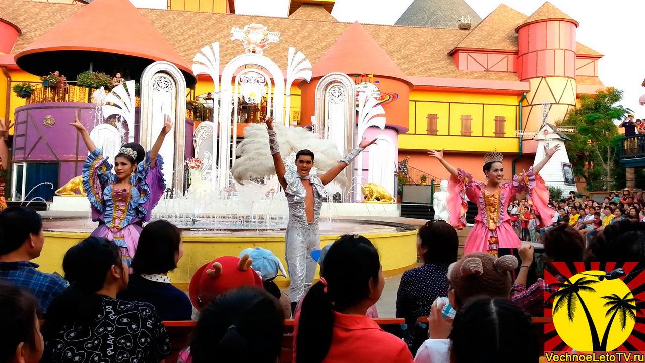 Шоу-трансвеститов-в-Тайланде