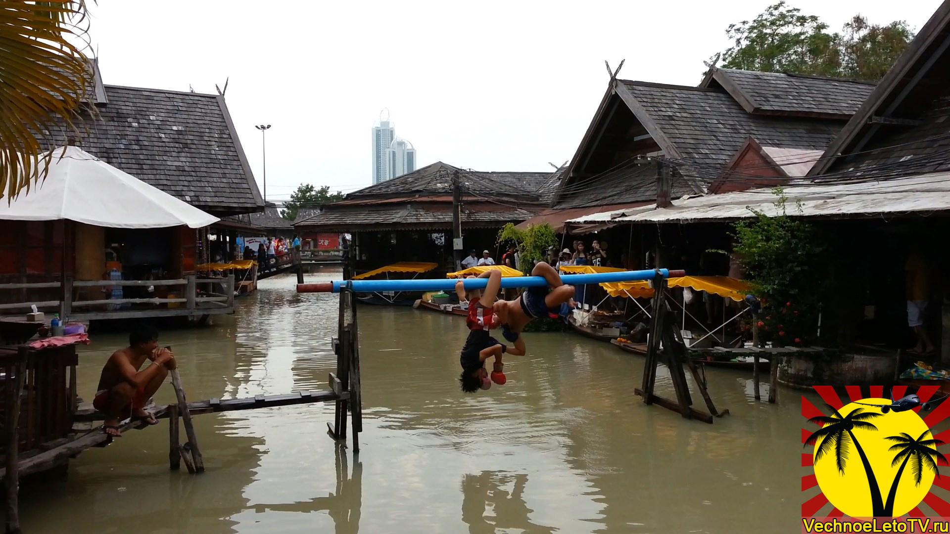 Плавучий-рынок-в-Таиланде