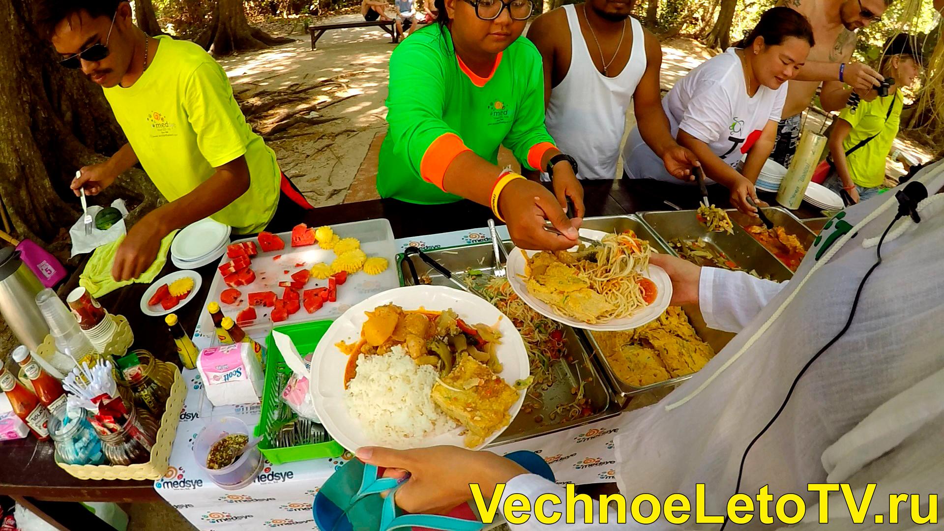 Еда на Симиланских островах